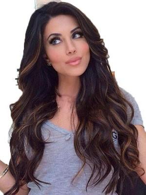 Perruque Elégante Ondulée Lace Front Cheveux Humains